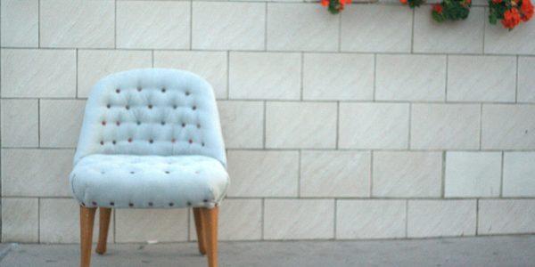 Telefon Sessel – mit upcycelten Krawatten