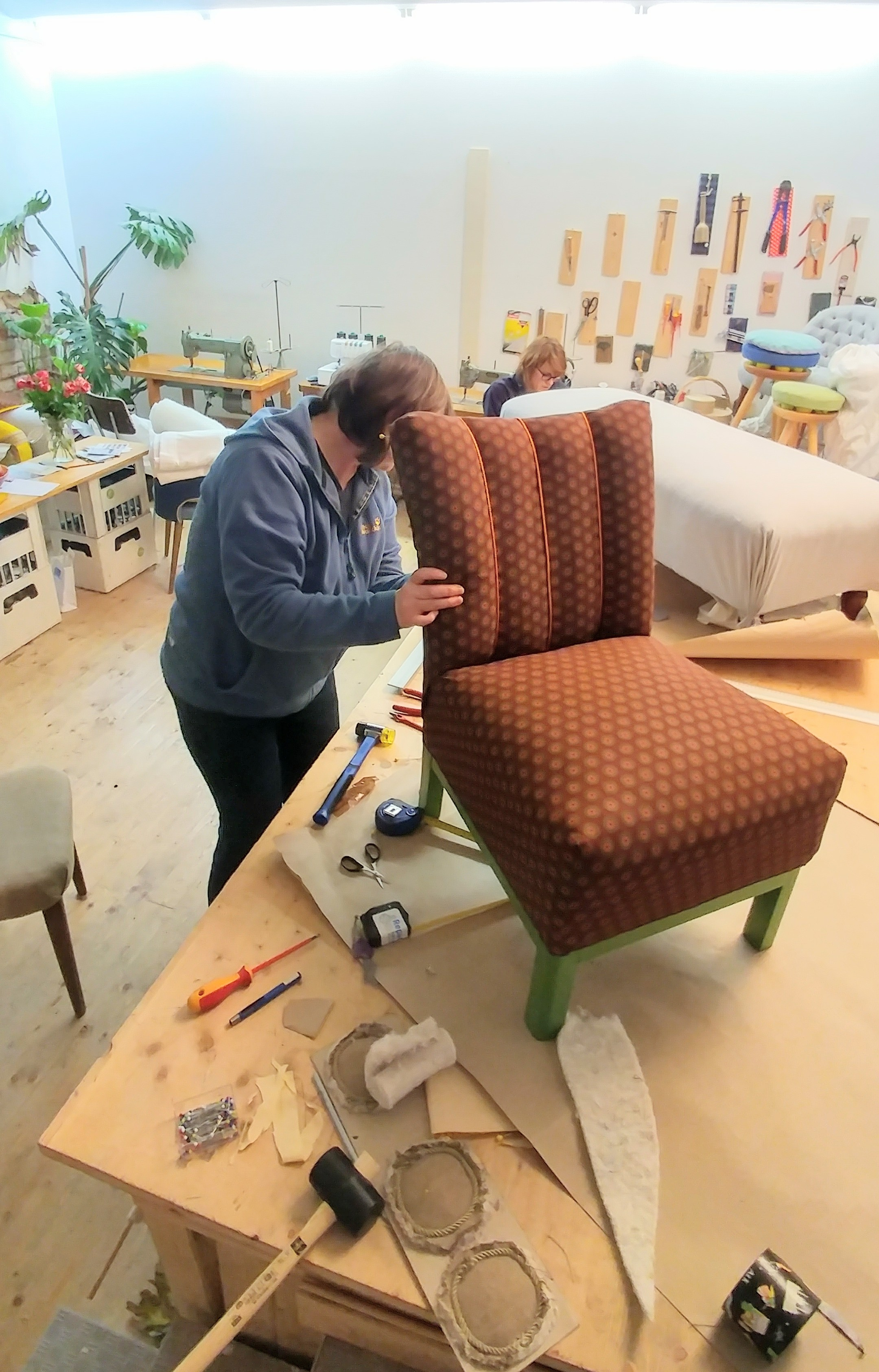 Stuhl rckenlehne selbst beziehen simple alle sthle bnke with stuhl rckenlehne selbst beziehen - Stuhle selbst beziehen ...